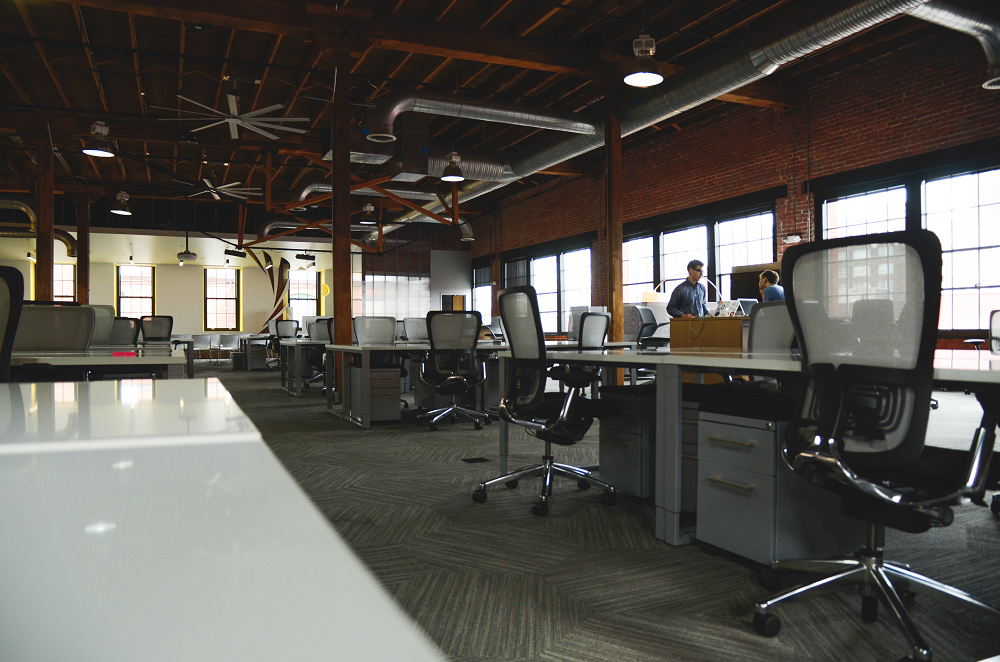 How to Design a Healthy, Ergonomic, & Efficient WorkSpace