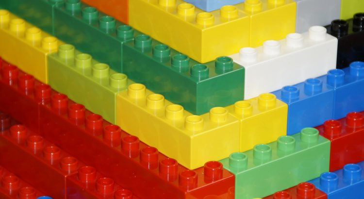 pyramid side view of lego bricks stepping up like stairs