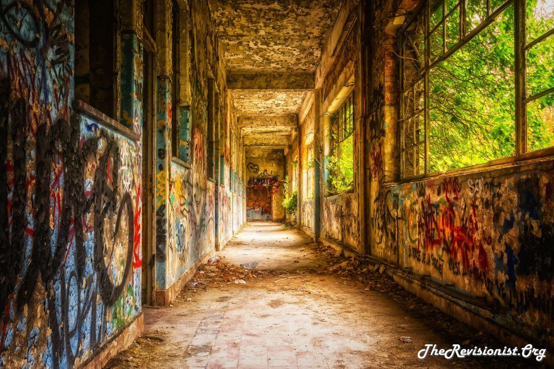 forgotten lost place colorful graffiti